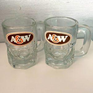 Set/2 vintage A&W mini mugs